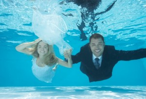 Bride-and-groom-underwater-300x204